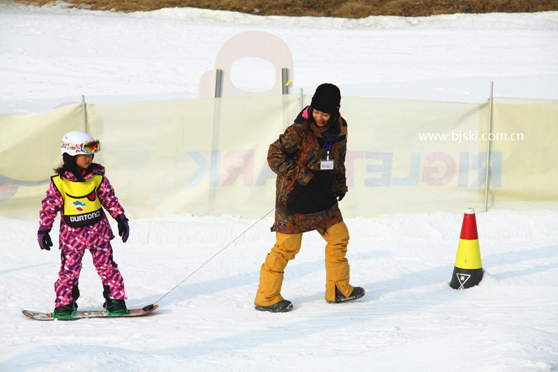 快乐的孩子们 burton儿童单板公园体验日